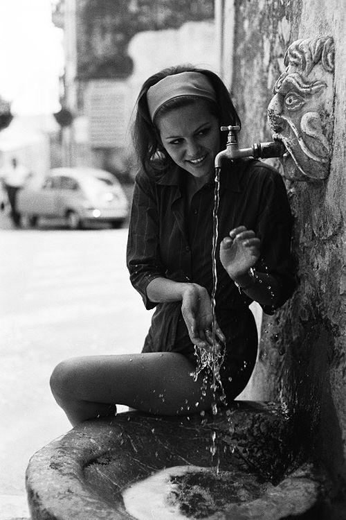 Soumission érotique de la joie sensuelle de la soumission féminine