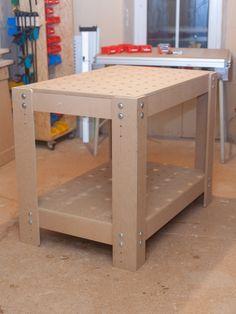 arbeitstisch mit lochplatte eigenbaukombinat werkstatt pinterest arbeitstisch tisch und. Black Bedroom Furniture Sets. Home Design Ideas