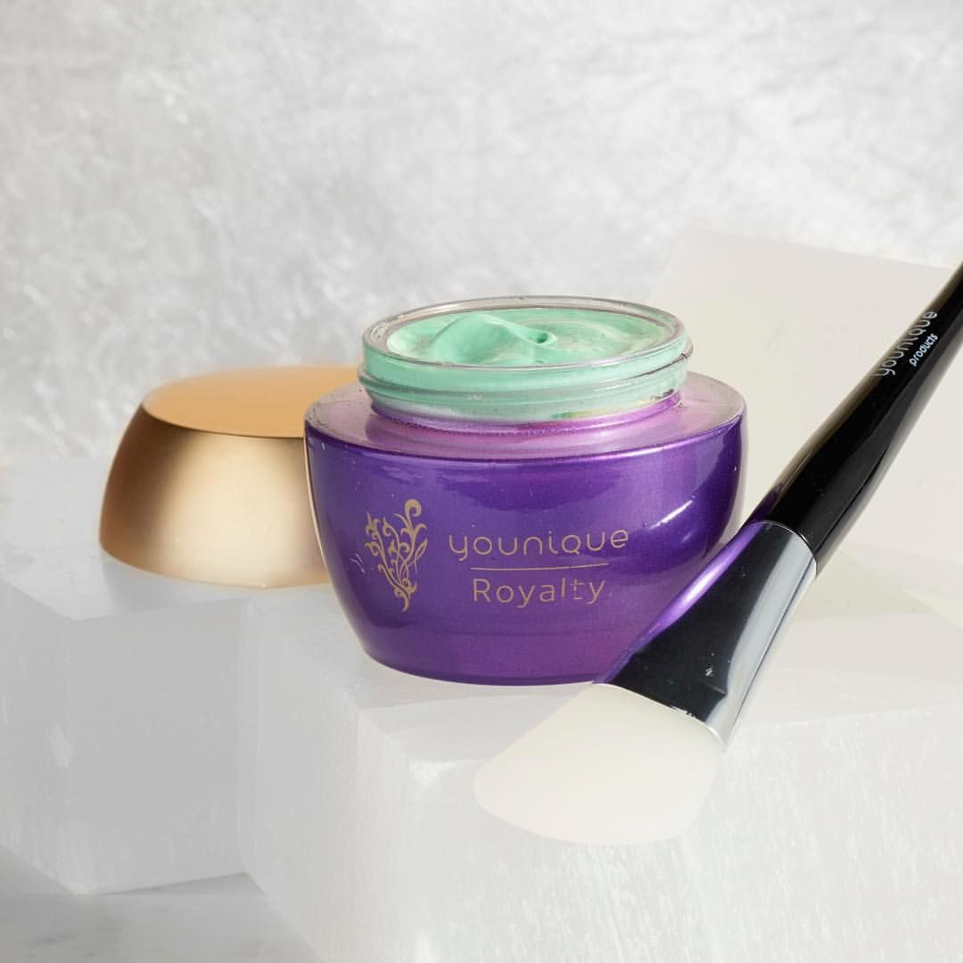 Sick of the slick? The YOUNIQUEROYALTY oil control mask