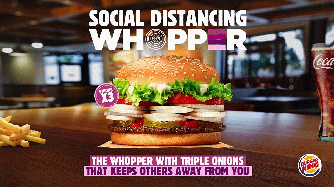 Burger King The Social Distancing Whopper By Wunderman Thompson Italy Https Www Theinspiration Com 2020 05 Burger King T In 2020 Onion Burger Burger Burger King