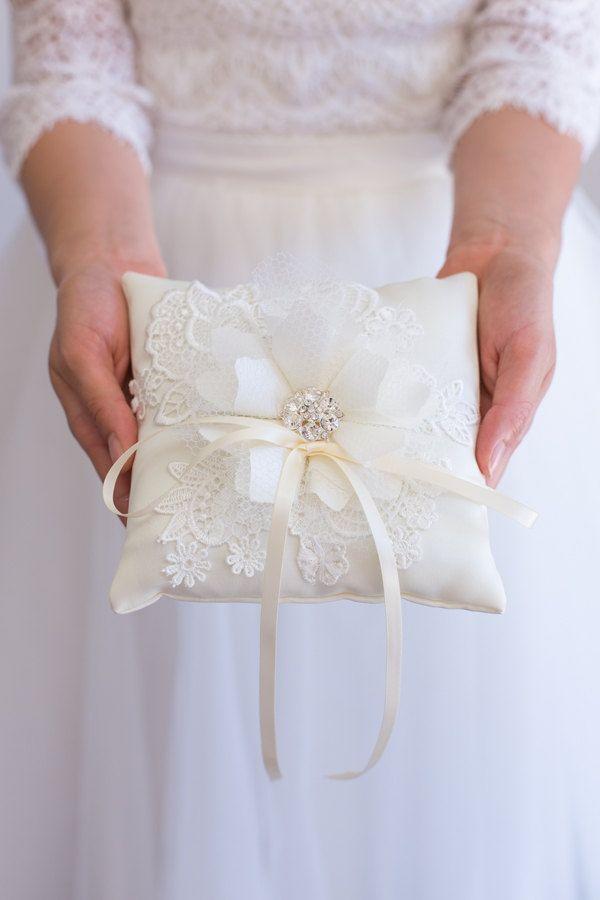 Handmade Wedding Ring Bearer Pillow White ivoryLace Ring Pillow