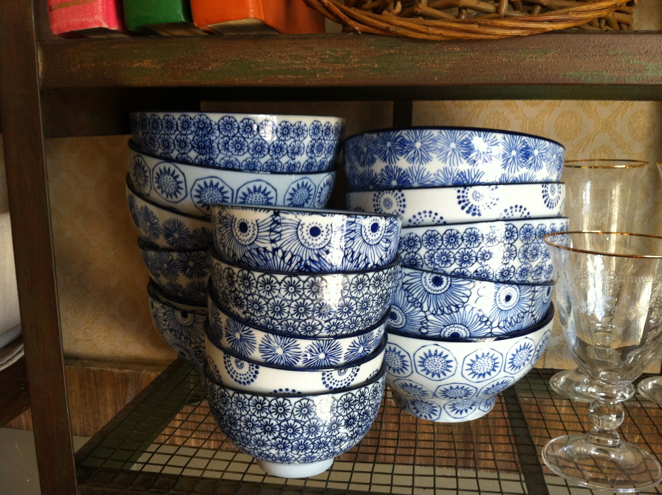 Great bowls. Love the blue & white motif.