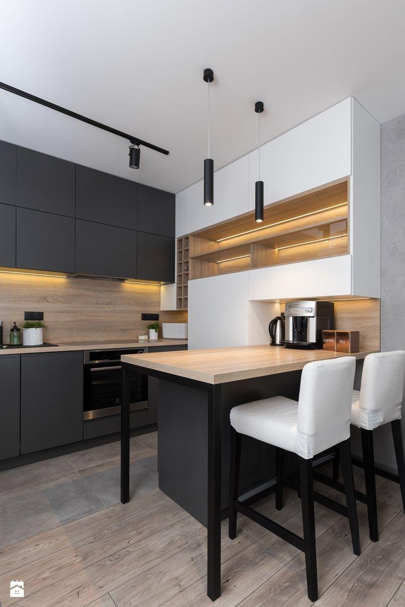 Mieszkanie Gorskie Srednia Zamknieta Kuchnia Jednorzedowa Z Wyspa Styl Nowoczesny Zdjec Minimalist Kitchen Design Modern Kitchen Design Minimalist Kitchen