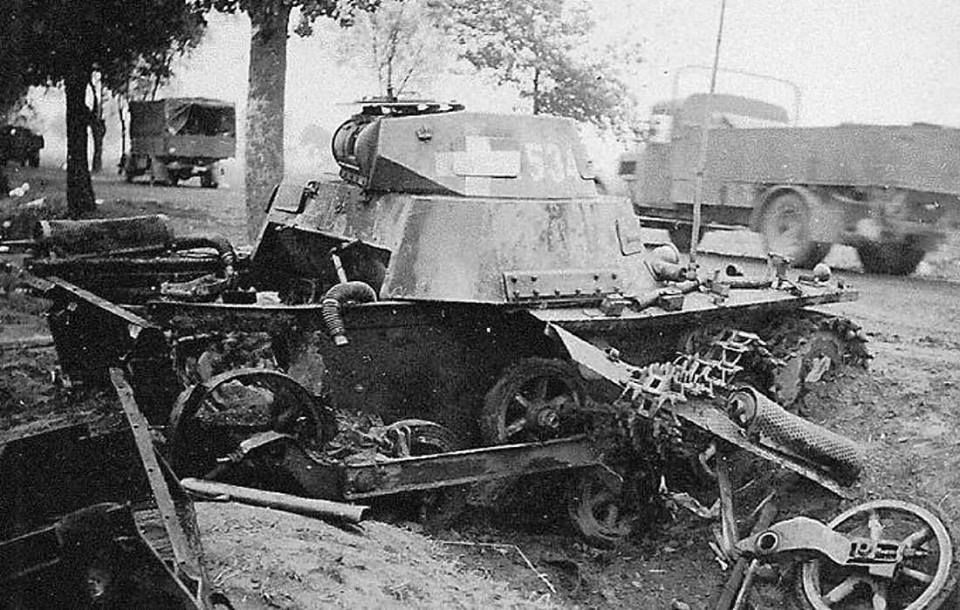German PzKpfw I Ausf. A from 1. light company of 35. panzer regiment of 4. Panzer Division, destroyed during fights near Ruszki-Kiernozia village, 16th September 1939. Note the big national cross insignia that would soon be replaced.