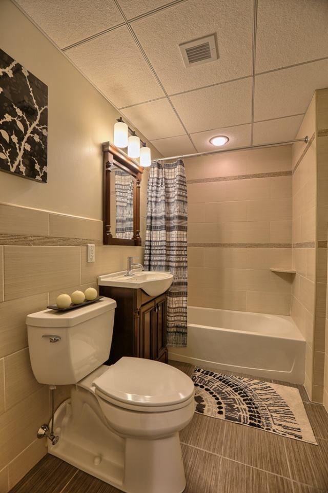 Bathroom 1   Furnished apartment, Bathroom, Two bedroom