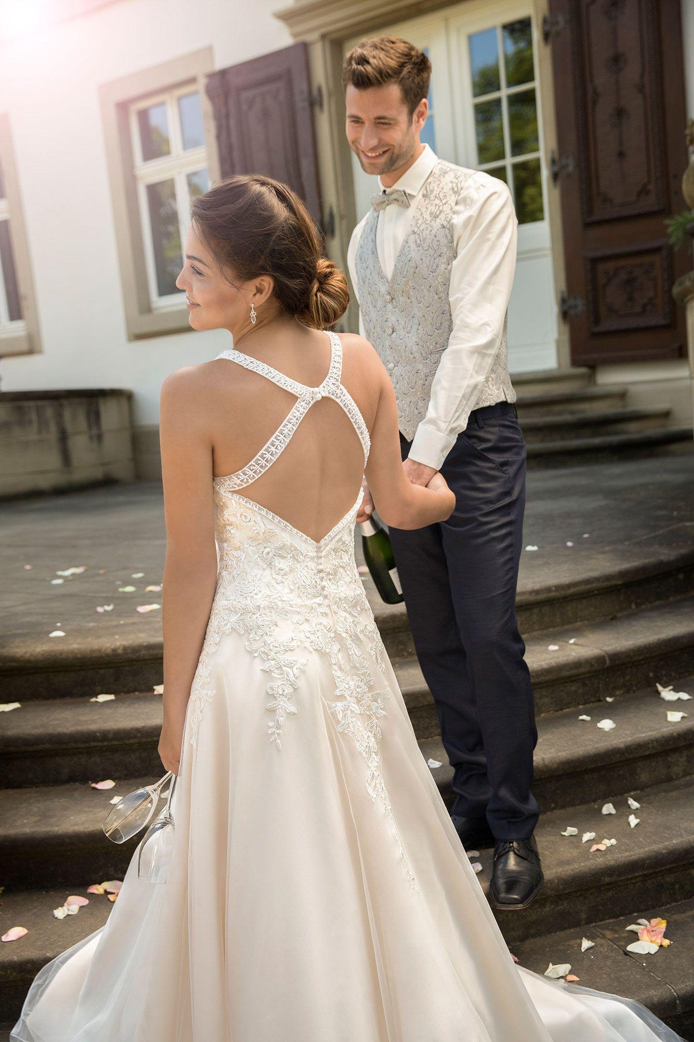 brautmodentirol #tirolerbraut #kleemeier #hochzeitskleid #brautkleid ...