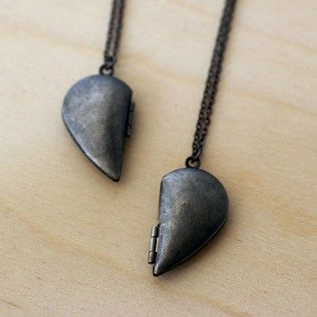 Handmade Gifts | Independent Design | Vintage Goods Best Friends Heart Locket Set - Silver - New Arrivals