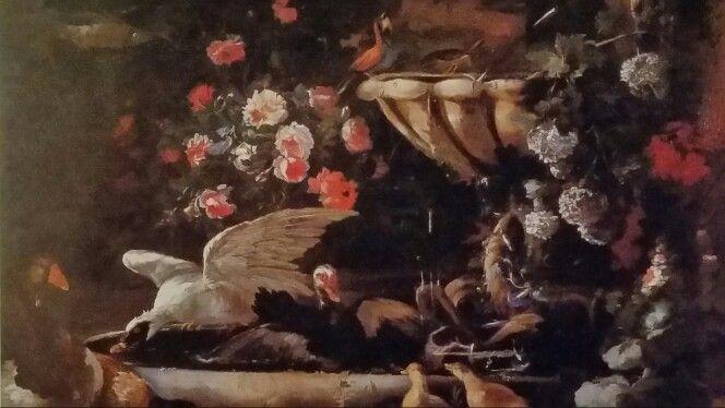 """BALDASSARRE DE CARO  ( Napoli 1689 - 1750 ). GIARDINO CON FONTANA, FIORI, ANATRE E ALTRI UCCELLINI. olio su tela. 125,5 × 179 cm. Signed """" BdeCaro """" al centro sul bordo della vasca."""