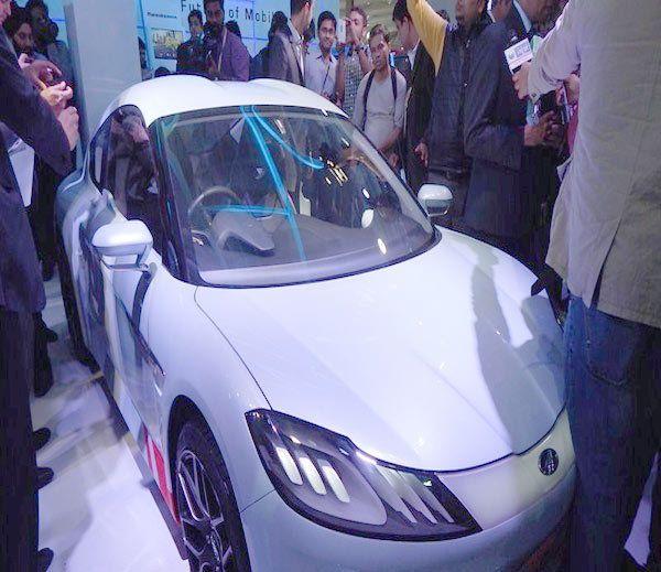 મહિન્દ્રા રીવાએ રજૂ કરી નાનકડી કૉન્સેપ્ટ સ્પોર્ટસ કાર HALO  http://business.divyabhaskar.co.in/article-hf/AUTO-mahindra-halo-electric-sports-revealed-4514170-PHO.html