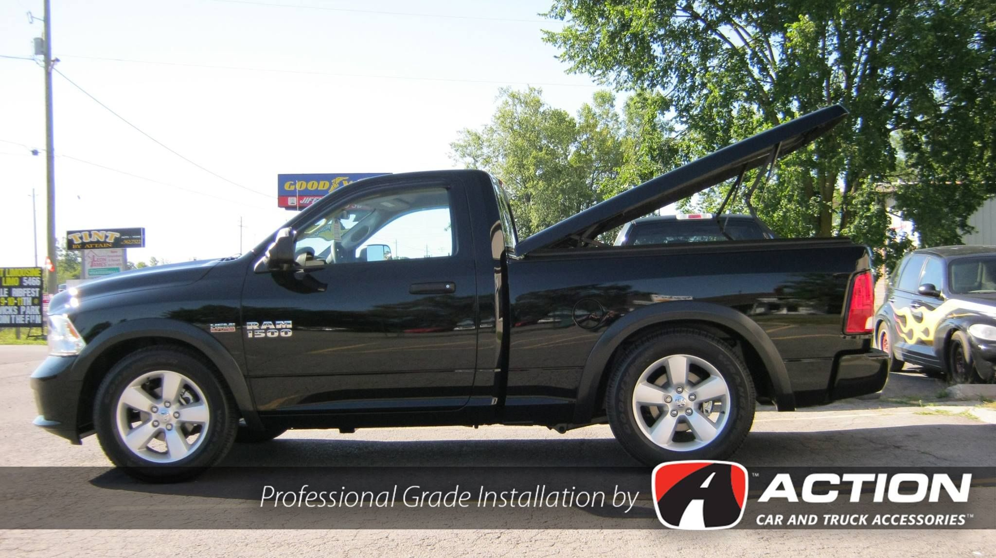 Ram 1500 With A Lsx Series Fiberglass Tonneau Cover By A R E Tonneau Cover Fiberglass Tonneau Cover Cars Trucks