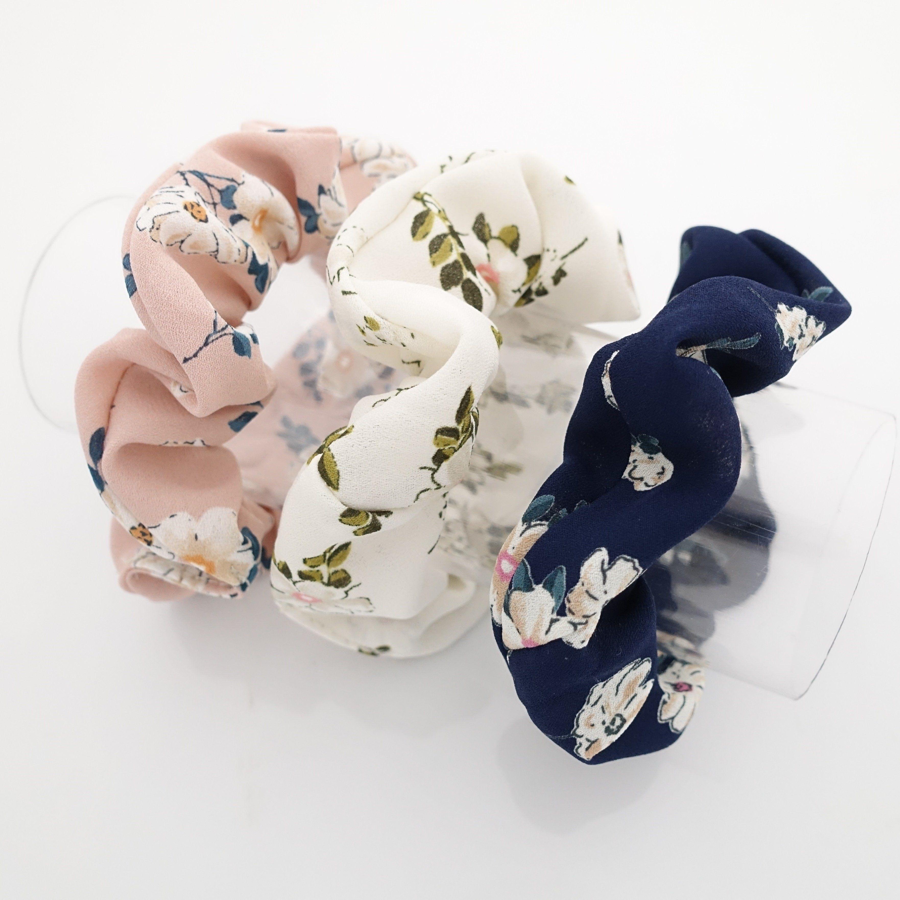 Flower scrunchie set