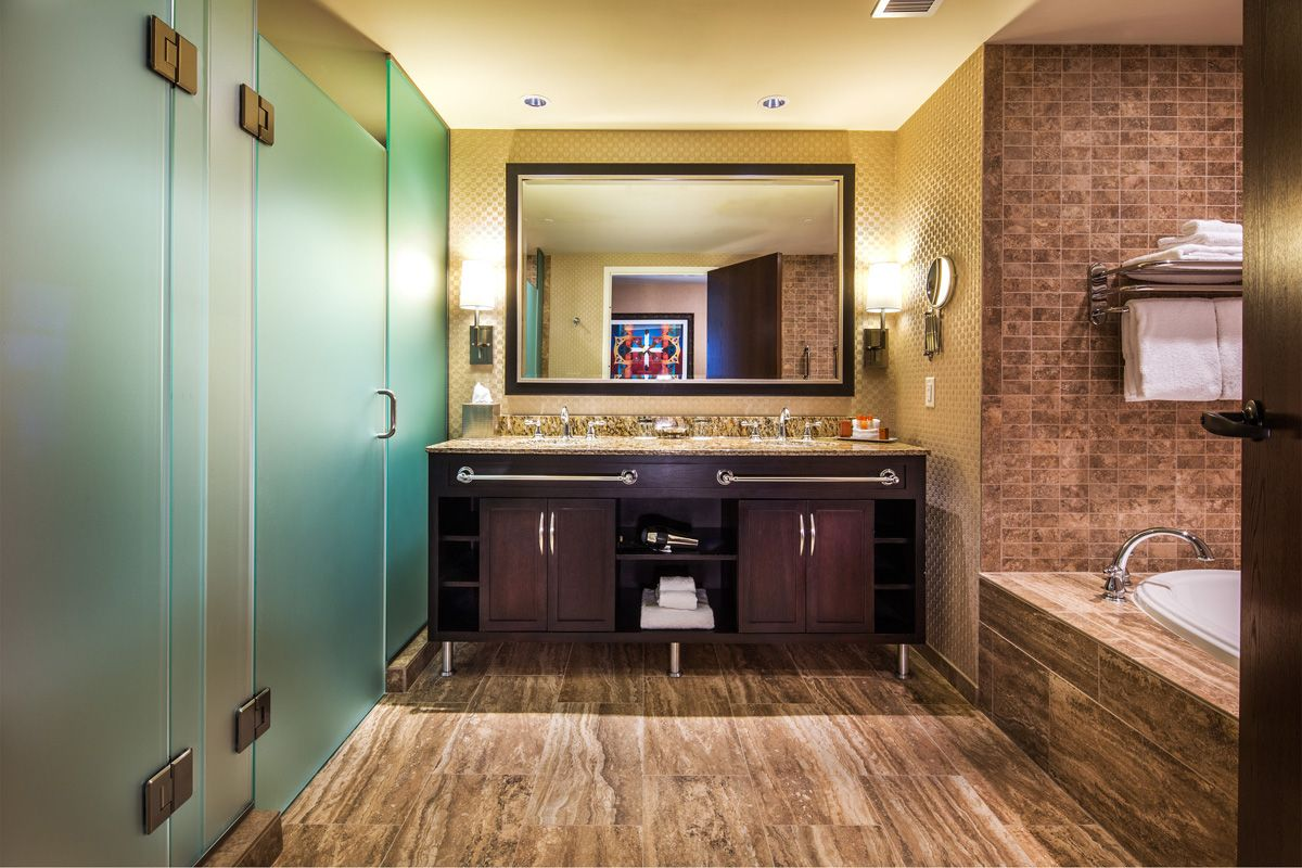 Four Winds New Buffalo Michigan Offers Luxury Hotel Rooms Upscale Amenities And Online Reservations