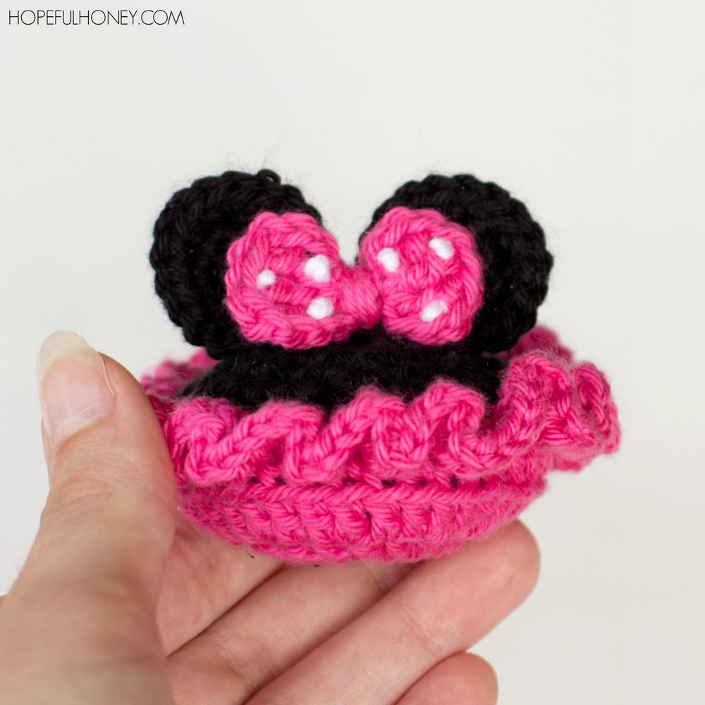 Minnie Mouse Inspired Baby Booties | Baby booties, Minnie mouse and Mice