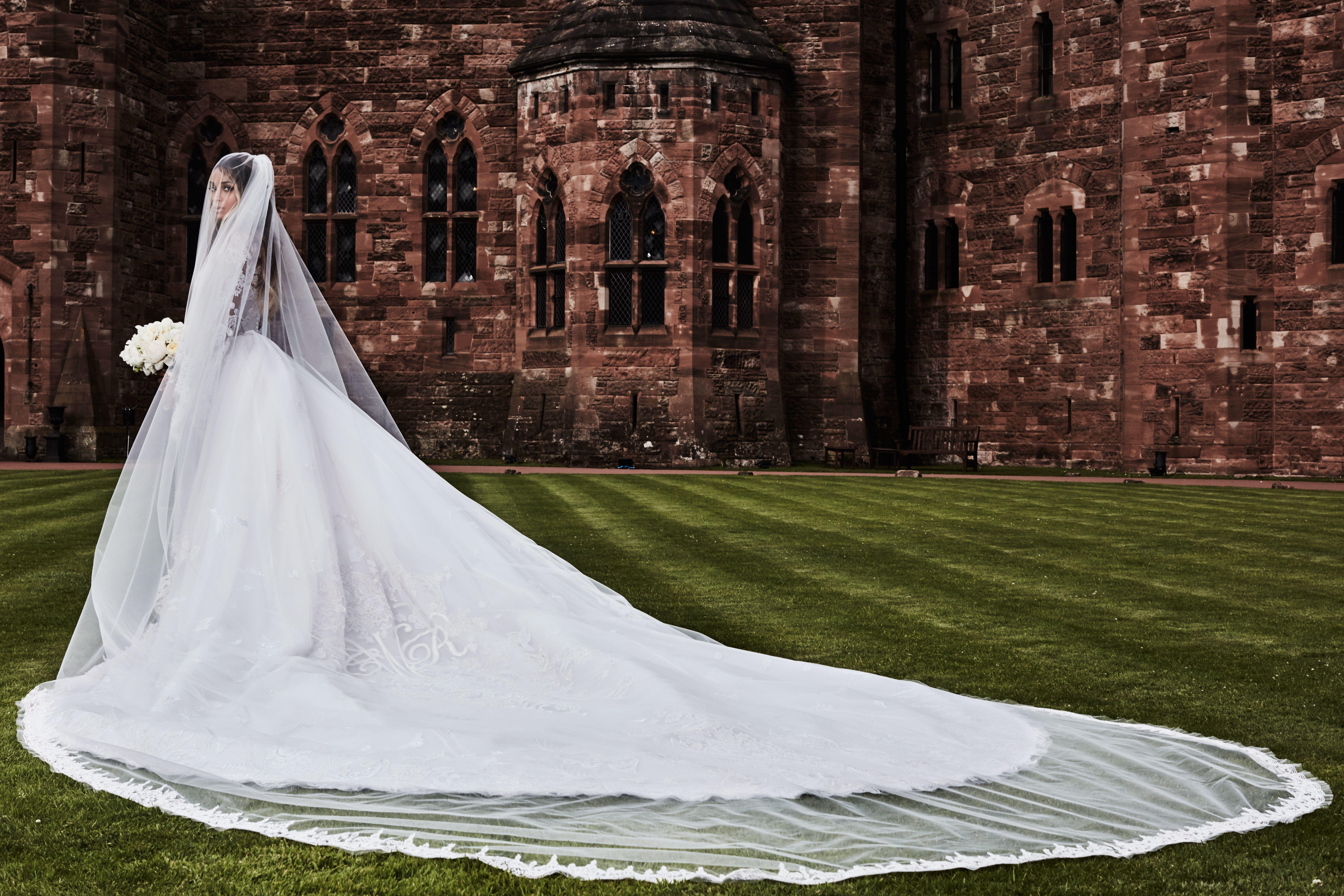 Ciara Russell Wilson Share Official Wedding Photos Ciara Russell Wilson Share Official Wed Celebrity Wedding Dresses Classic Wedding Gowns Wedding Dresses