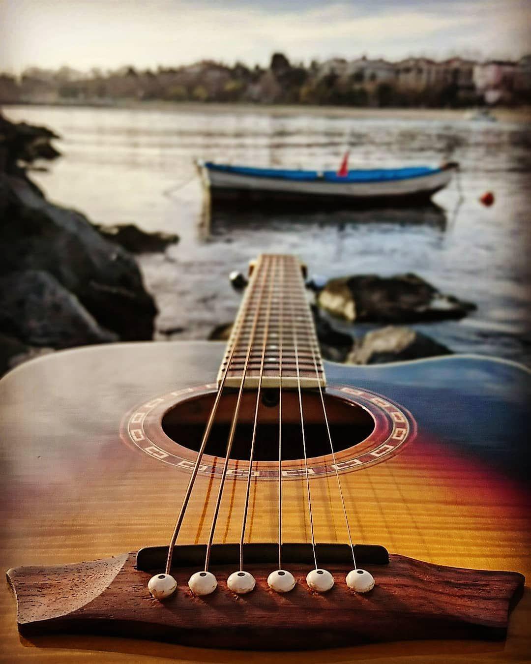 #guitar #gitar #guitarist #gitarist #musician #muzisyen #music #müzik #acoustic #akustik #sea #deniz #beach #sahil #boat #sandal #sky #gökyüzü #florya #instagood #photooftheday #kadraj #kadrajimdan #benimkadrajim #kadrajturkiye #ig_myshot #ig_fotogramers #ig_world #ig_fotografdiyari #washburn