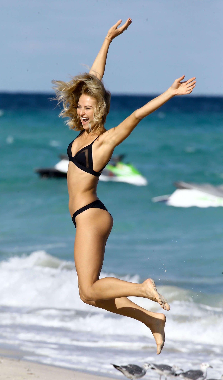 pics Selena weber in black bikini at the beach in miami