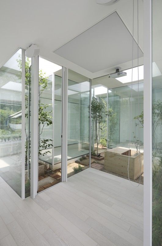 9x9 Room Design: 9X9 Experimental House / YounghanChung Architects