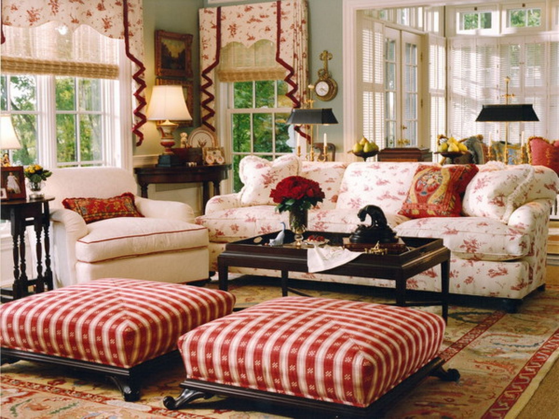 Attractive English Country Living Room Ideas Square Red Striped Fabric  Ottoman White Floral Fabric Windows Valance