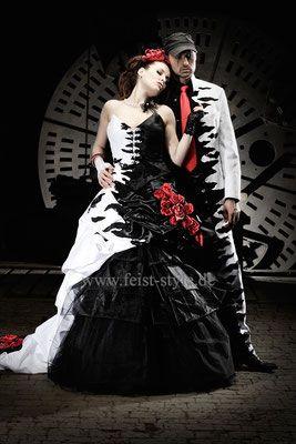 extravagant Heiraten, besondere Anzüge, Gehrock,