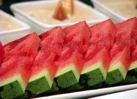 Try the watermelon diet, an easy & delicious way to lose weight!
