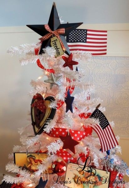 13 Ways To Leave Your Christmas Tree Up All Year Long Holiday