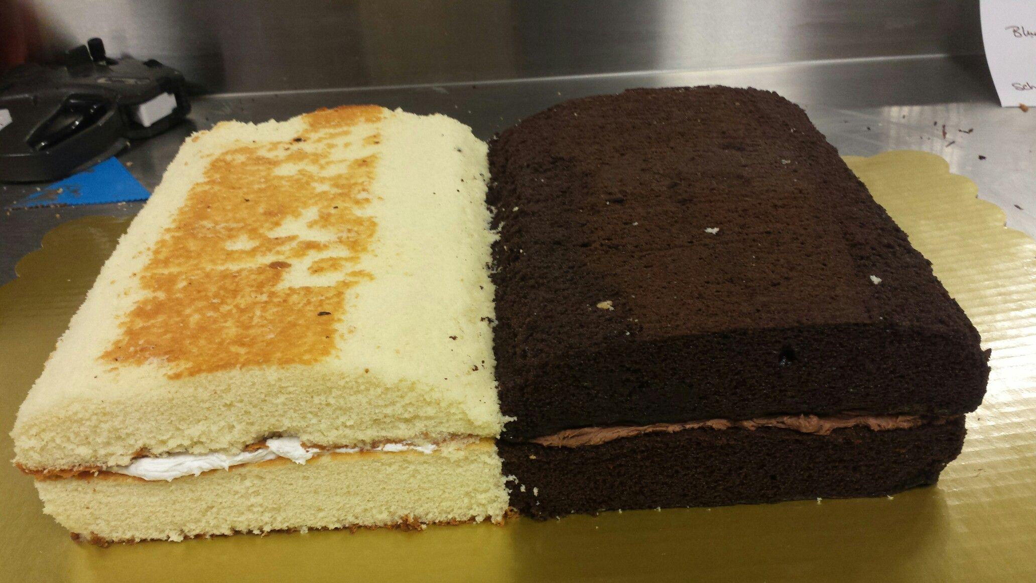 Start of my book cake .   Buch kuchen, Kuchen und torten, Tortendeko