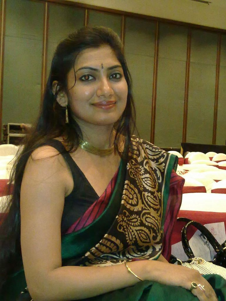 Bangalore Girls Unsatisfied Aunties Housewives Mobile -9190