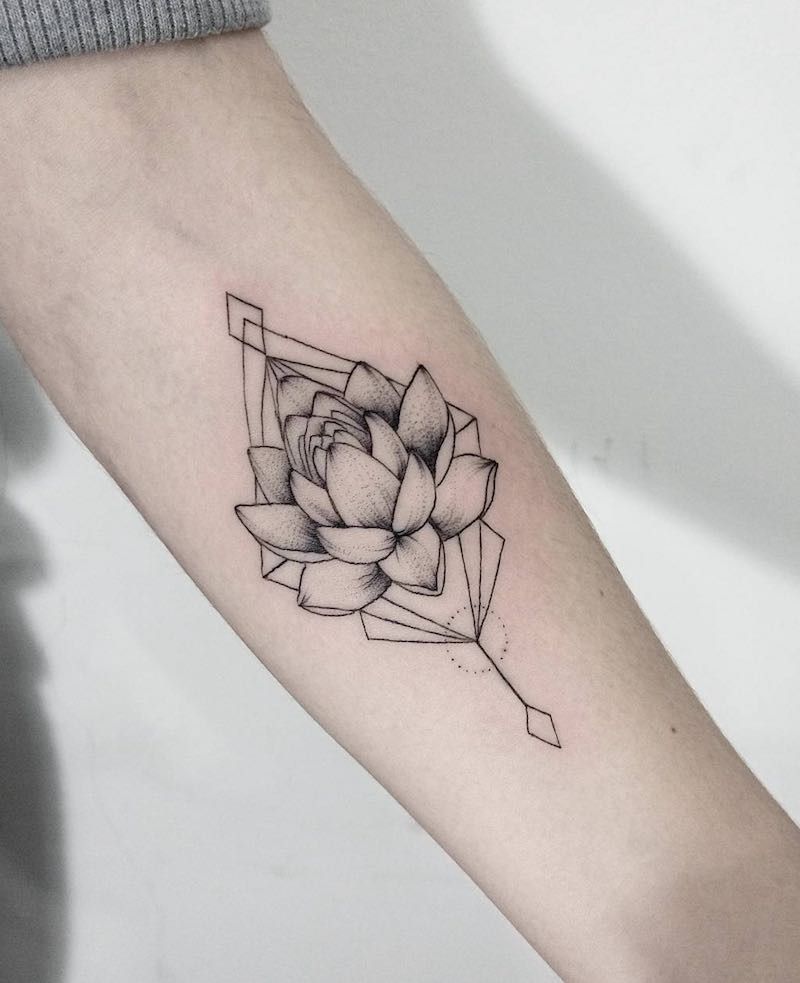117 Of The Very Best Flower Tattoos With Images Lotus Tattoo Design Lotus Flower Tattoo Design Forearm Flower Tattoo