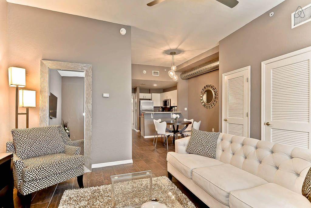 Affordable modern luxury 2bd 2ba vacation rental in