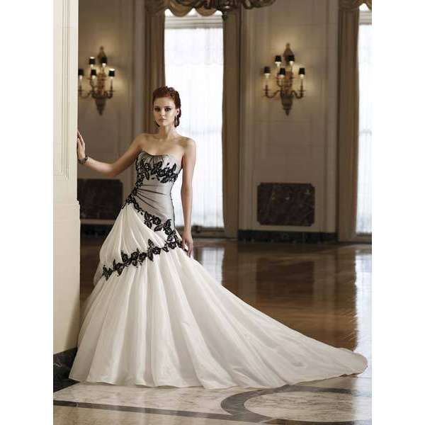 1000  images about Black and White Wedding Dresses on Pinterest ...