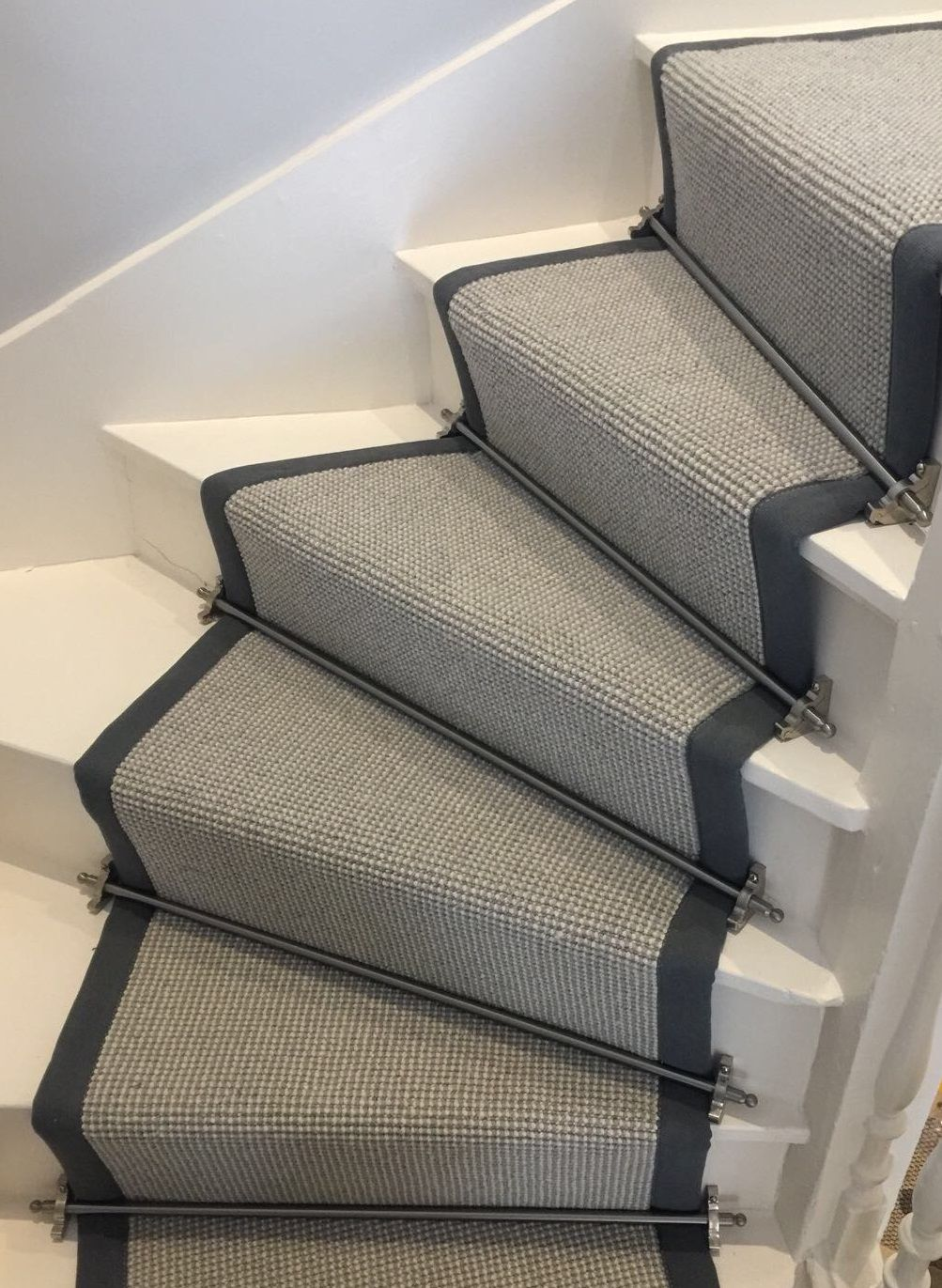 Best Wool Loop Pile Grey Carpet Fitted To White Painted 400 x 300