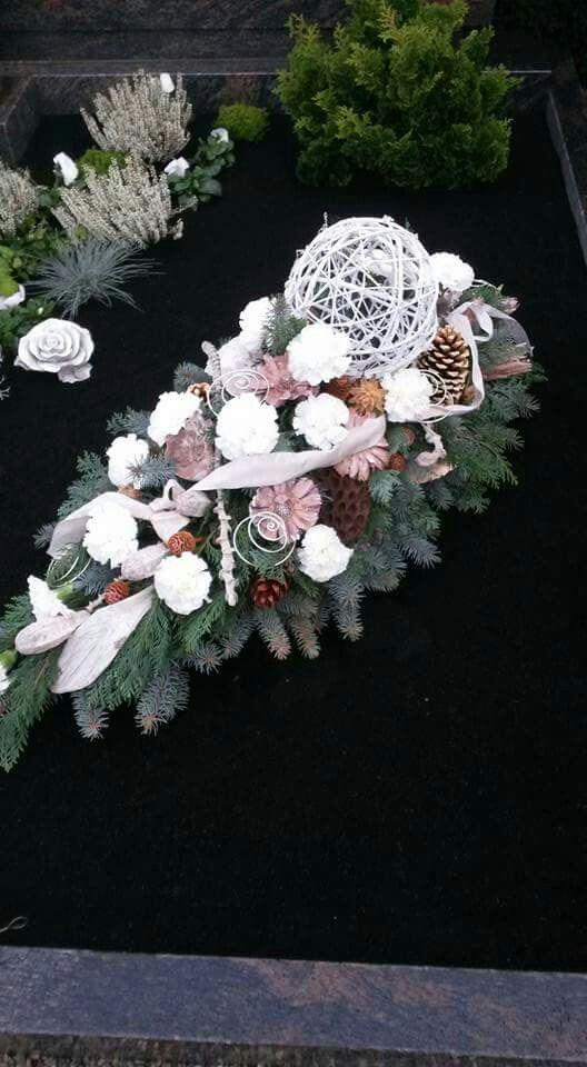 Tropfen | Grab Blumen | Pinterest | Funeral and Wreaths