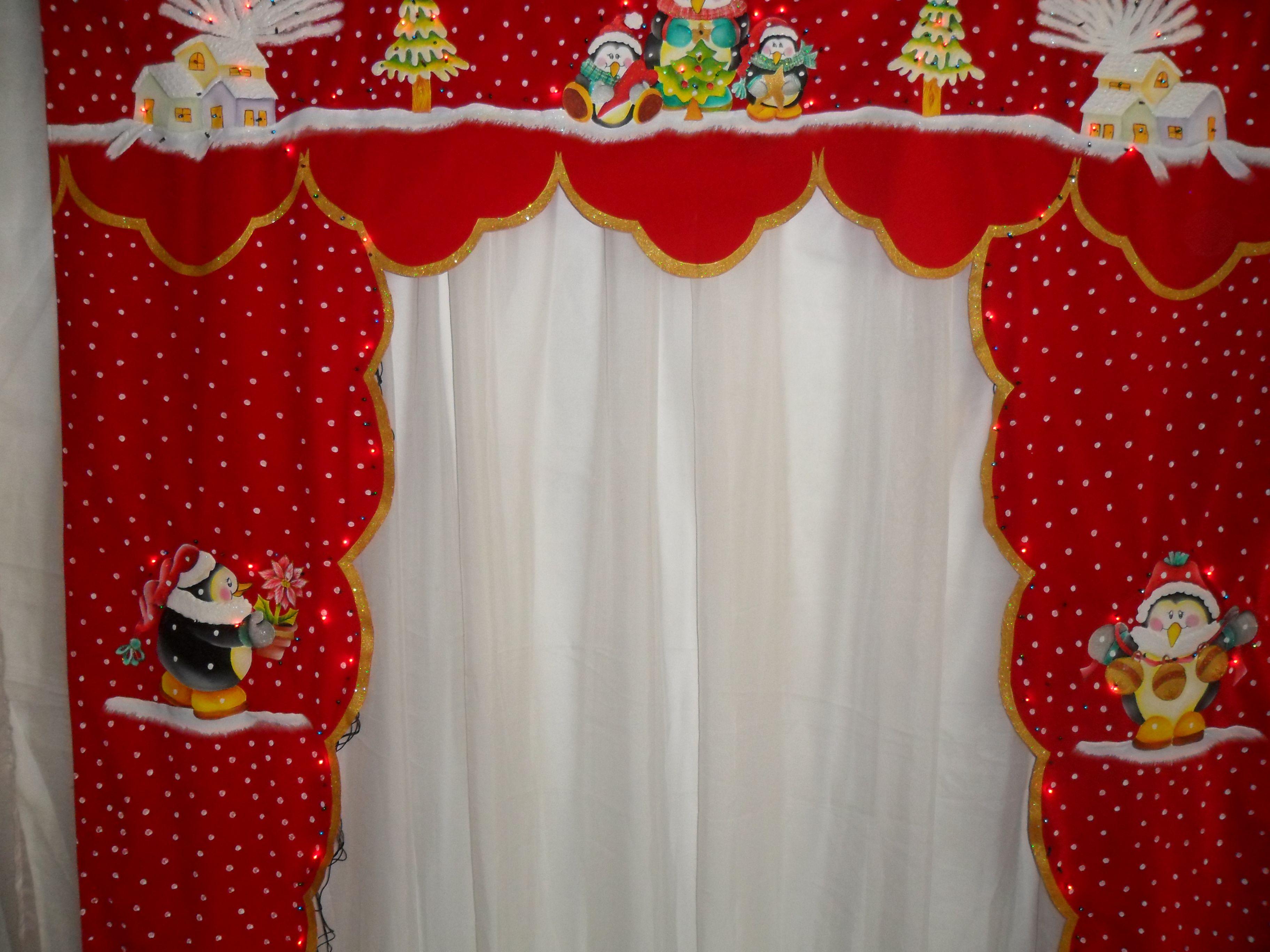 Cenefa pintada a mano sobre gamuza con luces incorpiradas for Cortinas navidenas para sala