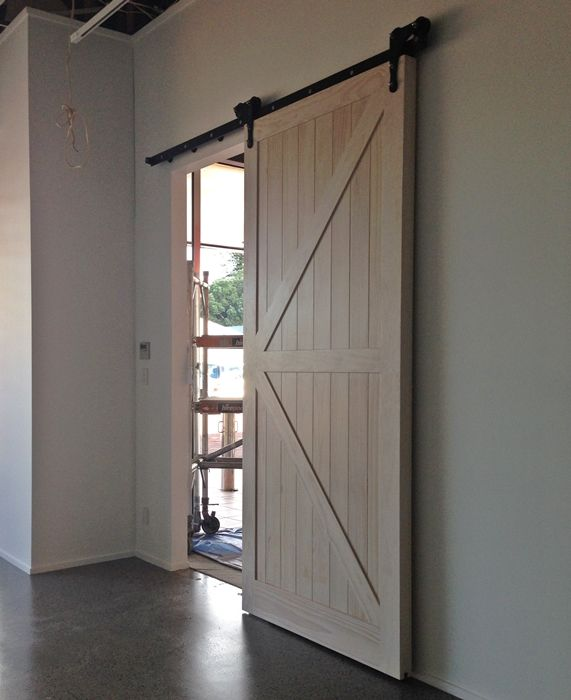 barn door for hallway entry to lounge and kitchen/dining from // & barn door for hallway entry to lounge and kitchen/dining from http ...
