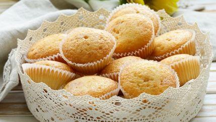 طريقة سهلة لعمل الكب كيك Recipe Vanilla Cupcakes Impressive Recipes Food