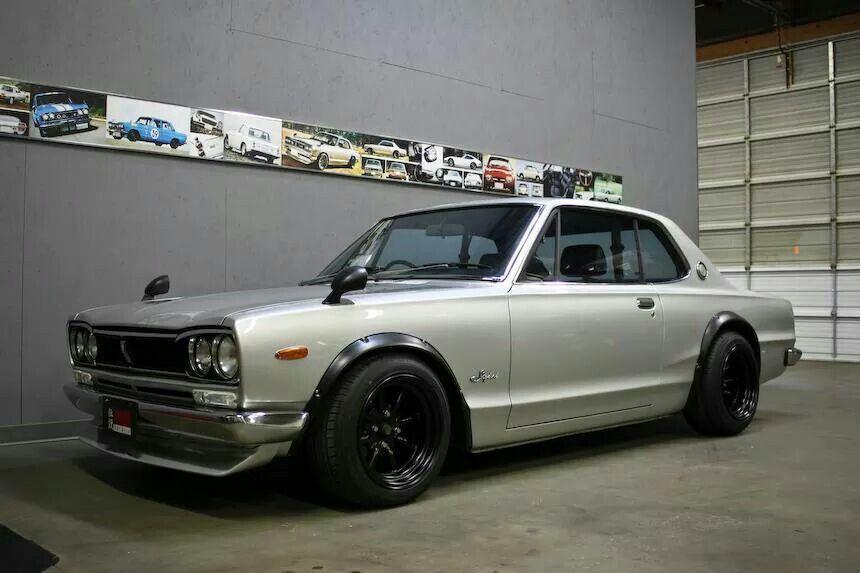 HAKUSUKA The Dream Garage Classic japanese cars