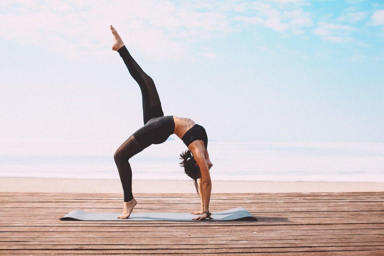 йога на море | Уличная йога, Фотографии йоги, Картинки йоги