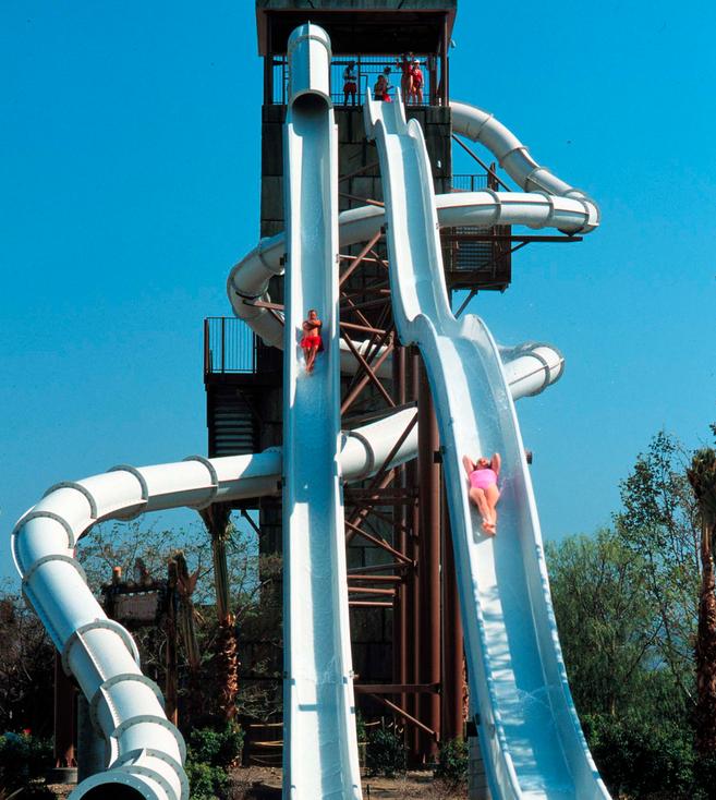 Six Flags Magic Mountain Hurricane Harbor Santa Clarita Ca Six Flags Hurricane Harbor Water Park