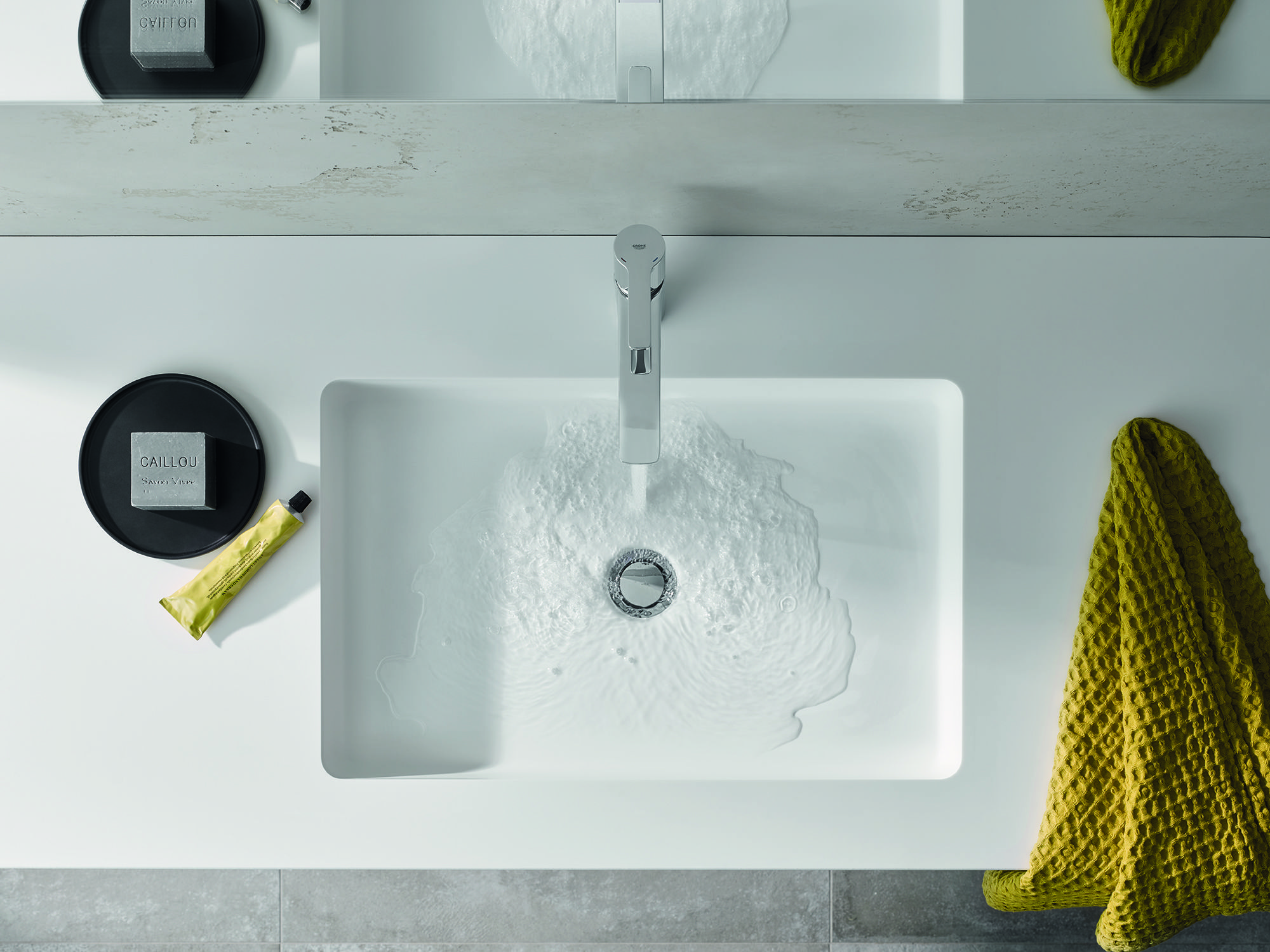 Stay clear - with the minimalistic design of our GROHE Lineare ...
