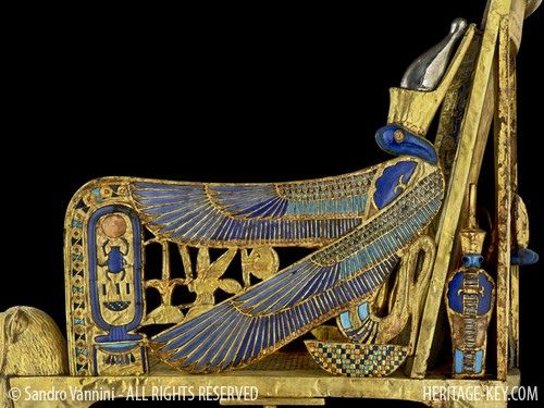 The Golden Throne of King Tutankhamun - Side View | par Sandro Vannini
