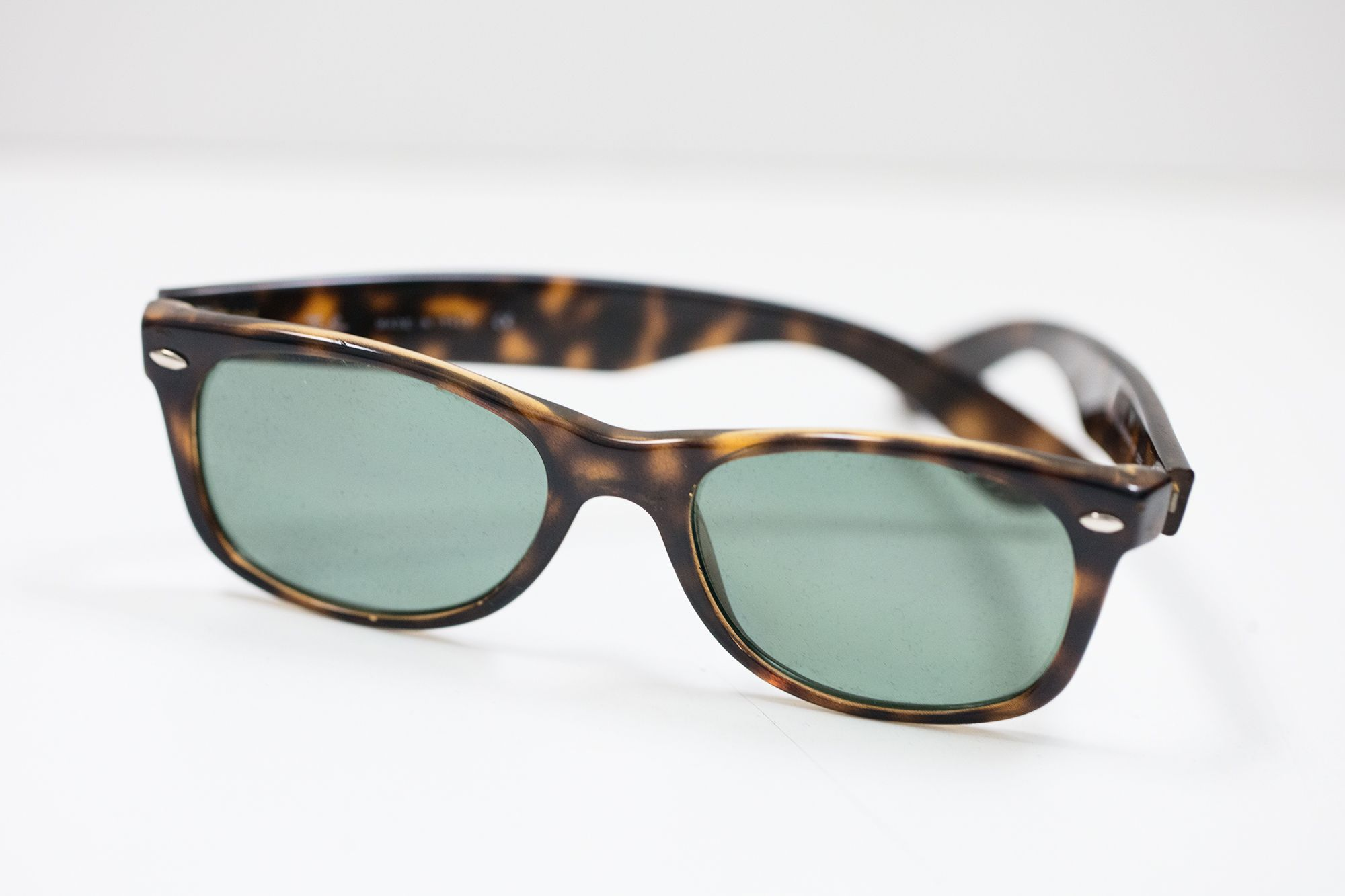 34adc53d8a Rayban Tortoise Shell Wayfarers with case #A6251826 | Accessories ...