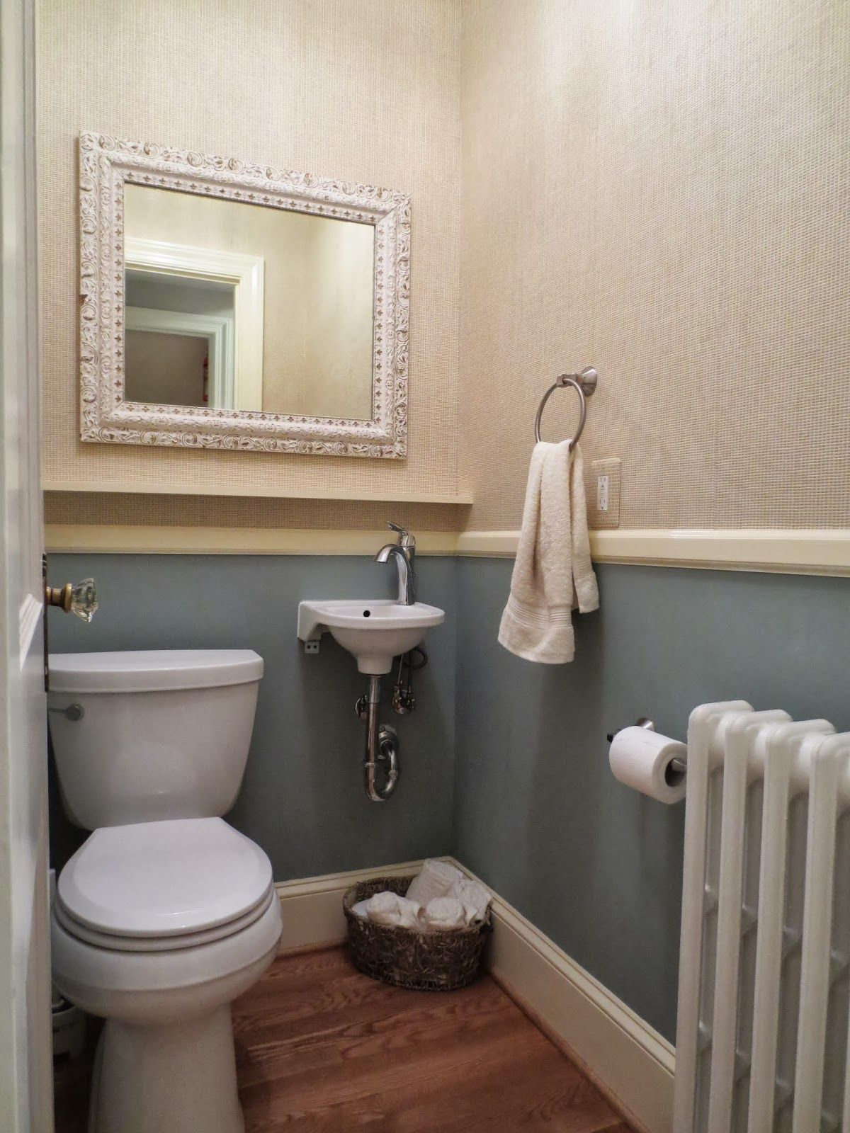 Bath Wood Chairail Chair Rail Molding To Break Up The Space Above The Chair Rail Is Grass Powder Room Half Bath Remodel Bathroom