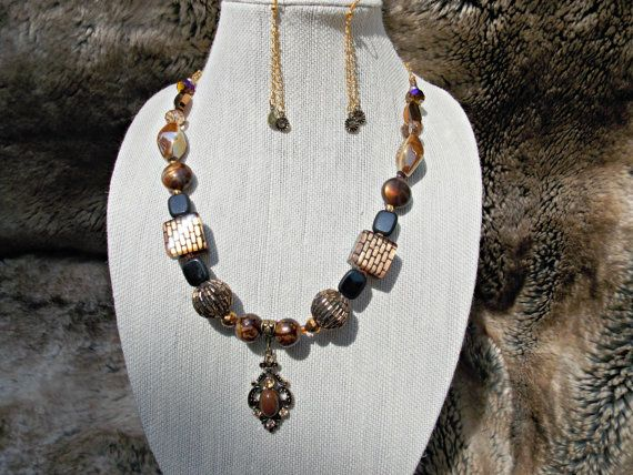 Magestic brown and black Hand made necklace set