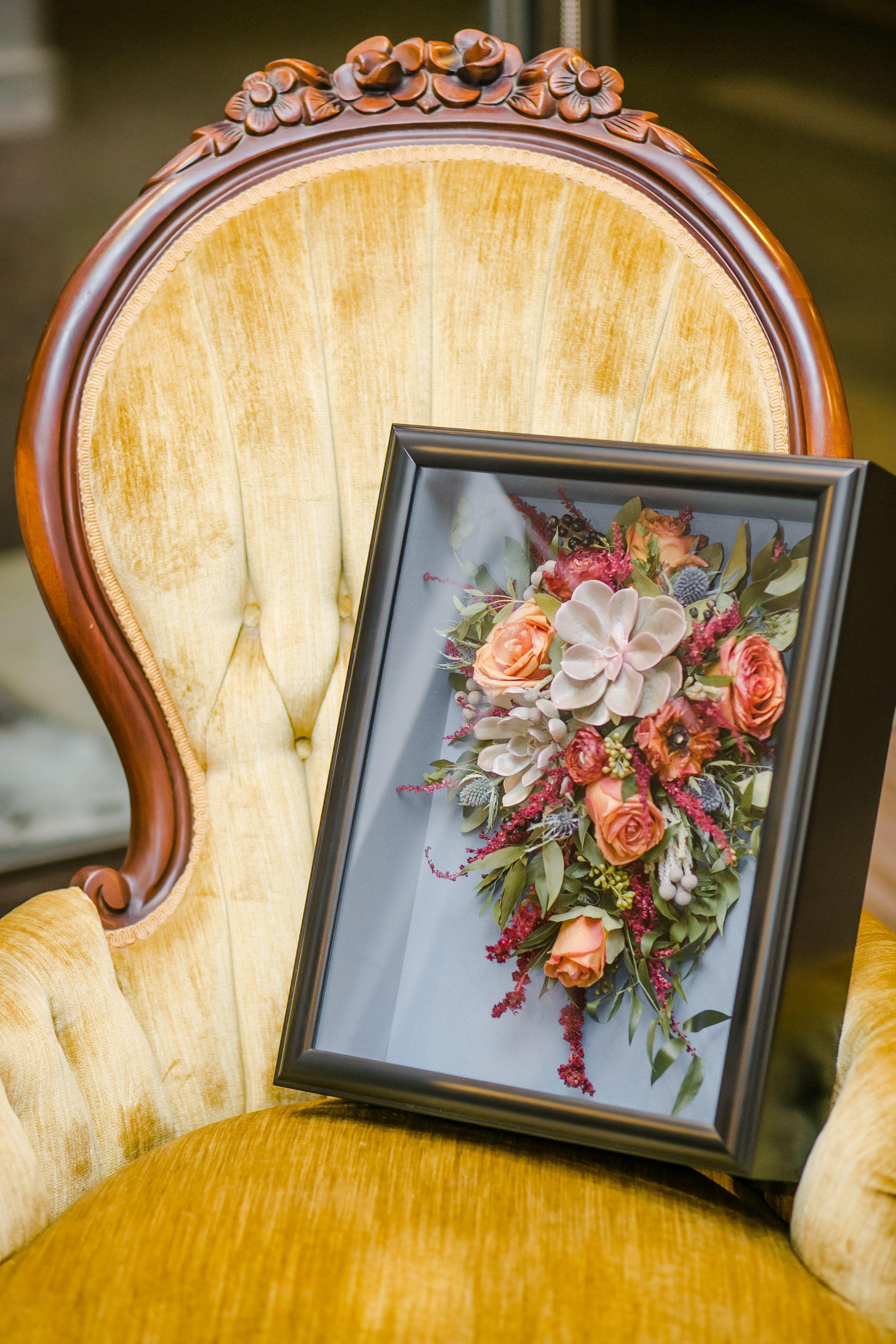 11++ Wedding bouquet preservation shadow box information