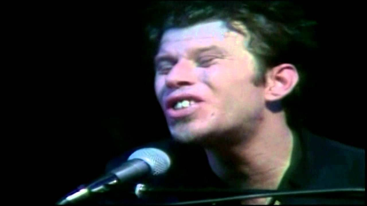 Tom Waits (Austin 1978) [07]. Silent Night / Christmas Card From a ...