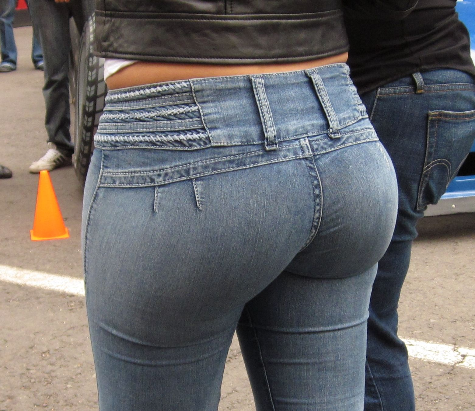 Candid latin ass in pants milfs