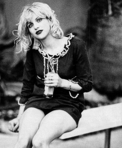The one and only Courtney Love. Riot Grrrl beauty <3