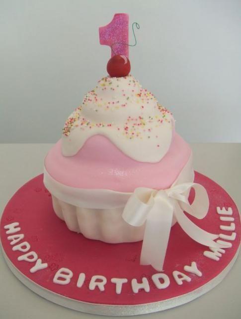 Cupcake Birthday Cake Milly first birthday Pinterest