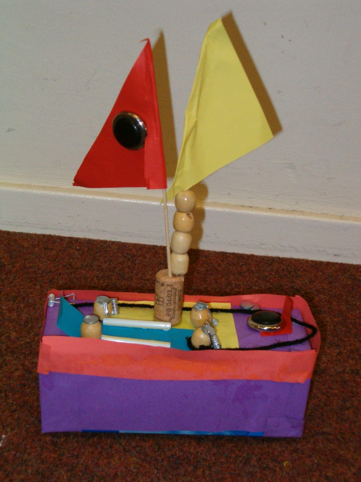 Boot knutselen kosteloos materiaal knutselen for Decoratie zeilboot