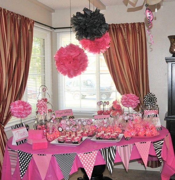Duel Birthday Decor Zebra Barbie And Princess Themes: Ideas Para Decoracion De Fiesta De Graduacion